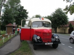 Historický autobus v Kostelní Lhotě